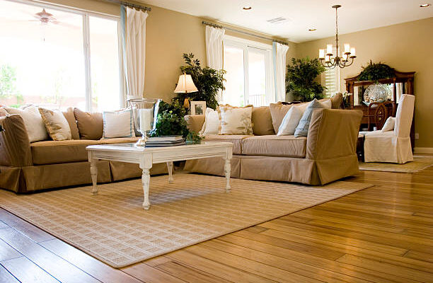 Grijze houten vloer